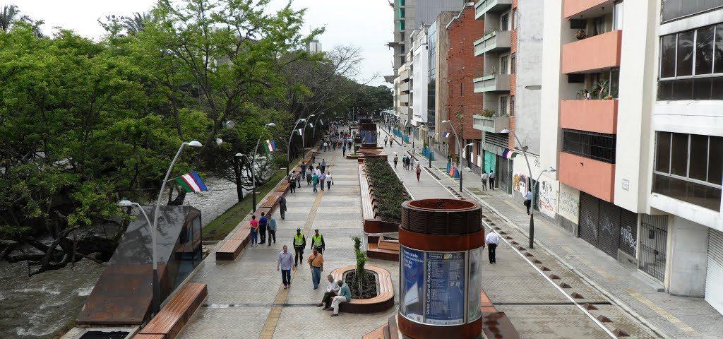 Boulevard del Rio - Hotel Americana Cali